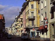 Kreis 4 - Zürich Fotos vom Kreis 4 - Zürich. Gleich neben dem Kreis 5, auf der anderen Seite der Bahnlinie. Helvetiaplatz, Bäckeranlage, Kalkbreite, Xenix.