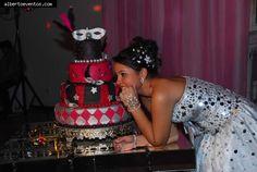 Ludmila Castro da Silva celebrou seus 15 anos num baile de máscaras