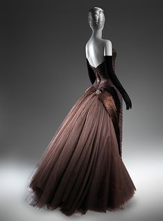"""1955 - """"Butterfly"""", Charles James - The Met ( silk, synthetic, metal) Vintage Gowns, Mode Vintage, Style Vintage, Vintage Outfits, Charles James, Vogue, Beautiful Gowns, Beautiful Outfits, 1950s Fashion"""