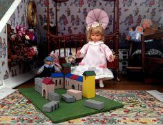 Jouet château en bois miniature maison de poupées par MadeInEven