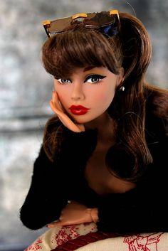 "Doesn't she look like top model Dayana Mendoza? ""Coney Island"" Poppy Parker - Fashion Royalty"