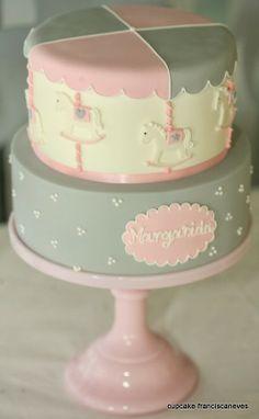 Cupcake: Carrossel e bonecas