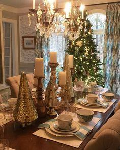 @amyspearinginteriors Dining room table is set for the holidays #amyspearinginteriors