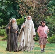 Ian McKellen, Christopher Lee and Peter Jackson on set of Lord of the Rings: The Fellowship of the Ring