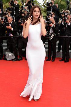 Barbara Palvin --- ULTRA HQ 2014 Cannes film festival red carpet pics - fashion - top model - white dress- so sexy Barbara Palvin, Img Models, Celebrity Dresses, Celebrity Style, Victoria's Secret, Hollywood Celebrities, Beautiful Celebrities, Mannequin, Fashion Models