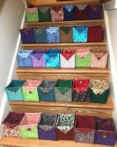 Good Totally Free Sewing gifts Tips Fat Quarter Fabric Baskets Tutorial Easy Sewing Projects, Sewing Projects For Beginners, Quilting Projects, Sewing Hacks, Sewing Crafts, Sewing Tips, Sewing Tutorials, Scrap Fabric Projects, Crafts To Sew