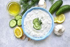 The cat's out of the bag — Tzatziki sauce tastes WAY better than ranch dressing. This famous Mediterranean condiment is cool, creamy, refreshing, and fully-loaded with flavor! Vegan Tzatziki Sauce Recipe, Sauce Tzatziki, Homemade Tzatziki Sauce, Tzatziki Recipes, Taziki Sauce, Fatayer, Mezze, Keto Sauces, Greek Yoghurt