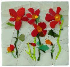 fleursrouges185 Mosaic Garden Art, Mosaic Art, Mosaic Glass, Mosaic Flowers, Glass Flowers, Mosaic Crafts, Mosaic Projects, L'art Du Vitrail, Mosaic Pictures