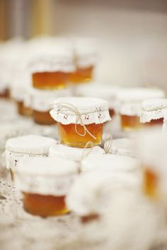 We're seeing lots of home-made preserves and jellies this year. Why not make them a DIY wedding favor?