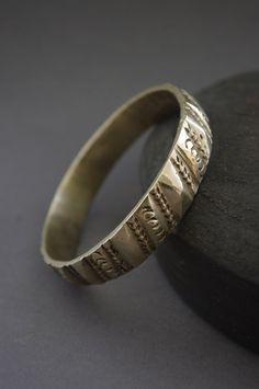 RÚSTICO sólido pulsera vintage de Berber brazalete fundido y