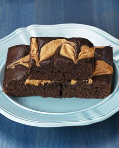 Chocolatey Peanut Butter Swirl Brownies | These Chocolatey Peanut Butter Swirl Brownies Are A Healthier Way To Treat Yourself