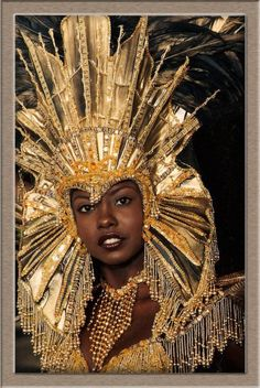 """Queen Of """"HARTS"""" Wendy Fitzwilliam ( plutot bresil ) . Carnival Girl, Brazil Carnival, Carnival Outfits, Trinidad Carnival, Caribbean Carnival, Carnival Costumes, Samba, Vintage Black Glamour, Mardi Gras Costumes"""