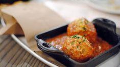 Polpette in umido, ricetta polpette di carne con formaggio aglio e noce moscata