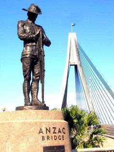 The Australian WWI Digger at the Western end of The Anzac Bridge in Rozelle, Sydney, Australia commemorates the soldiers lost at Gallipoli in Turkey in v Flight Booking Sites, Anzac Soldiers, Centennial Park, Anzac Day, Lest We Forget, Remembrance Day, World War One, Great Barrier Reef, Tasmania
