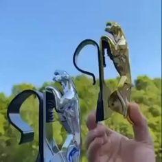 The jaguar phone holder Dashboard Phone Holder, Dashboard Mobile, Car Gadgets, Gadgets And Gizmos, Fee Du Logis, 3d Cnc, Cool Inventions, Useful Life Hacks, Blue Aesthetic