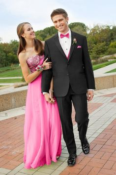 A classic tux with an updated fit. The Manhattan tuxedo is tailored in luxurious Super wool for the ultimate fit and feel. Trend-right design details. Prom Tuxedo, Tuxedo Dress, Tuxedo Wedding, Wedding Groom, Beach Wedding Attire, Wedding Gowns, Build A Tux, Slim Fit Tuxedo, Bridesmaid Dresses