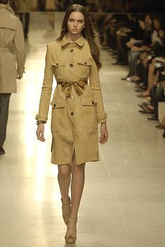 Burberry Prorsum Spring 2006 Ready-to-Wear Fashion Show - Gemma Ward