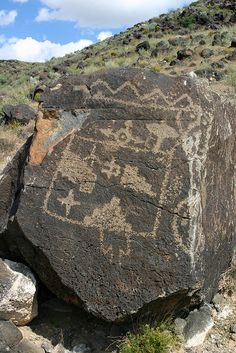 Petroglyphs, Albuquerque, New Mexico. photo by Stuart Spicer. Another cool trip to make! New Mexico Usa, Travel New Mexico, Art Rupestre, Art Ancien, Albuquerque News, New Mexican, Land Of Enchantment, All Nature, Ancient History