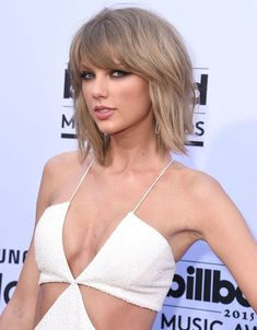 New Hair Blonde Fringe Taylor Swift Ideas Taylor Swift Hot, Taylor Swift Brother, Taylor Swift Haircut, Estilo Taylor Swift, Taylor Swift Hairstyles, Taylor Swift Hair Color, Red Taylor, Celebrity Hairstyles, Hairstyles With Bangs