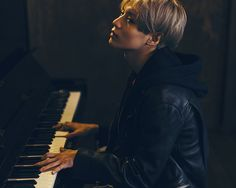Taemin + a piano = two of my favourite things