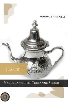Unsere Teekannen sind Kunsthandwerksstücke, jede unterscheidet sich ein wenig von der Anderen.Wir erfreuen uns an der Schönheit und der Harmonie des marokkanischen Kunsthandwerkes, welches eine Jahrhunderte alte Tradition hat. #marokko #design #fes #marrakesch #teekanne #tee Fes, Tea Pots, Tableware, Design, Ageless Beauty, Moldings, Marrakech, Gift Crafts, Dinnerware