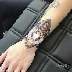 Sivanski @BLAOWWWW #wristtattoos Mandala Wrist Tattoo, Wrist Tattoos, Books, Xmas, Faith Wrist Tattoos, Wrist Tattoo, Ankle Tattoos