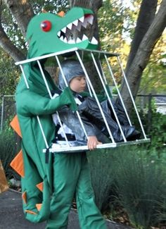 Amazing dragon Halloween costume - my boy would love this.