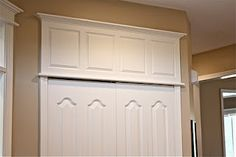 add panel above doors for classic lines