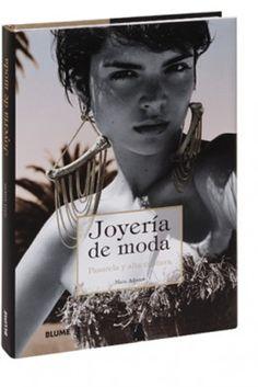 El primer libro que muestra joyas contemporáneas de pasarela y alta costura.
