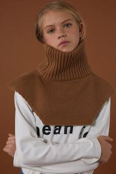 Winter knitwear from minimal cool Korean fashion label ADER Error from oversize turtleneck sweaters with long sleeves to super rad sweater dresses. Knitwear Fashion, Knit Fashion, Kreative Jobs, Knitting Accessories, Mode Inspiration, Fashion Inspiration, Fashion Labels, Korean Fashion, Ader Error