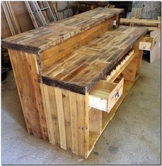 upcycled pallets bar