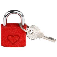 • Mit dem Schlüssel zum Herzen• 2-teilig• Größe: 30 mm• Material: Metall