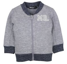 Jongens cardigan MR. van het kinderkleding merk Dirkje babywear. Dit is een grijs - blauwe jongens cardigan met een lange rits sluiting. Met een witte tekst op de borst : MR.