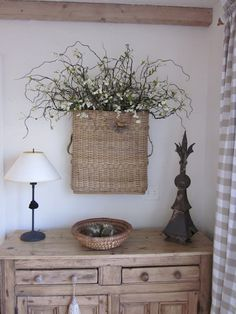 flowers in a basket on the wall My Sweet Home Keka❤❤❤. Decor, Farmhouse Decor, Country Decor, Hanging Wall Vase, Wall Vase, Decor Inspiration, Home Decor, Basket, Baskets On Wall