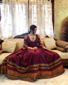 Lehnga Dress 770889661203492099 Source by gowns indian Saree Gown, Lehnga Dress, Frock Dress, Long Gown Dress, The Dress, Long Frock, Long Dresses, Prom Dresses, Frock Fashion