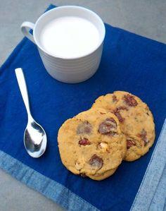 Cookies com chocolate e avelãs