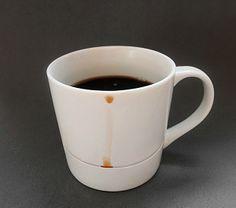 + Design de produto :   Você fica irritado com aquela gota que escorre pela xícara de café e suja a mesa? Kim Keun Ae teve uma idéia interessante.
