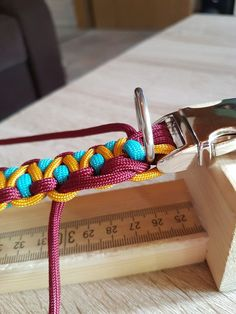 Rigid Dragon | Swiss Paracord GmbH Paracord Tutorial, Bracelet Tutorial, Diy Tutorial, Paracord Braids, Paracord Bracelets, Swiss Paracord, Diy Dog Collar, Paracord Projects, Bracelet Crafts