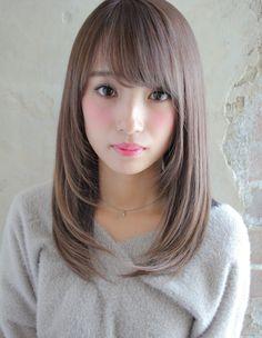 さらさらプラチナベージュ(TK−76) | ヘアカタログ・髪型・ヘアスタイル|AFLOAT(アフロート)表参道・銀座・名古屋の美容室・美容院 Medium Hair Cuts, Long Hair Cuts, Medium Hair Styles, Short Hair Styles, Braided Ponytail Hairstyles, Cute Hairstyles For Short Hair, V Cut Hair, Japanese Haircut, Hair Color Asian