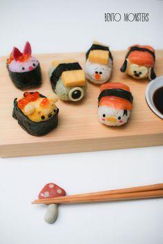 Tsum tsum sushi by Bento Monsters Kawaii Bento, Cute Bento, L'art Du Sushi, Sushi Art, Panda Sushi, Dessert Sushi, Japanese Food Art, Japanese Snacks, Comida Disney