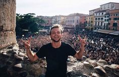 A new gram by Ashton - All the beautiful people in Verona put on a show last night and I'll never forget it! X by ashtonirwin Share if you like! Stay Strong Beautiful, Beautiful People, Hes Mine Not Yours, Internet Friends, 5secondsofsummer, Ashton Irwin, 5sos Ashton, Life Savers, Summer Travel