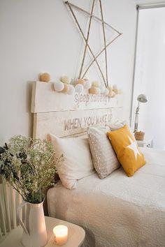 Cambio total de mi dormitorio con una funda de cojín MOSTAZA! | Decorar tu casa es facilisimo.com