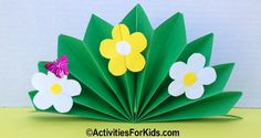 A springtime bouquet of flowers. The classroom activity for this spring flowers craft includes the flower pattern and instructions. Mothers Day Crafts For Kids, Holiday Crafts For Kids, Coaster Crafts, Girl Scout Crafts, Paper Crafts, Diy Crafts, Butterfly Crafts, Flower Cards, Craft Activities