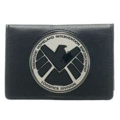 Now you can own a SHIELD badge as a wallet. Perfect for your Agents Of SHIELD Cosplay outfit or to make your Marvel buddies jealous. Inside the wallet the word SHIELD is printed and inside the ID wind