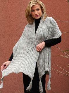 #loomknit, Classic Shawl with Tassels, free pattern, http://www.knittingboard.com/, wrap, #breiring, gratis patroon (Engels), omslagdoek, stola