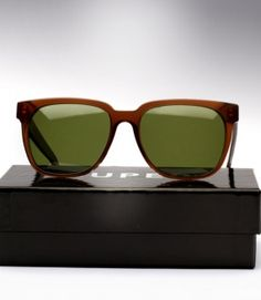 Super People is a slightly smaller-framed and thin yet meticulously designed piece of unisex eyewear