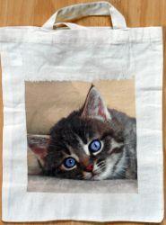 Katzen Tasche http://bastelzwerg.eu/themes/suche/index.php?suchekategorie=&sucheallgemein=baumwolltasche%20katze