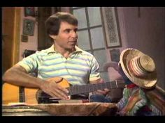 Flashback: Paul Simon Guests on 'The Muppet Show' Watch him sing Simon and Garfunkel classics: Paul Simon Jams With the Muppets in 1980 The Muppet Movie, Simon Garfunkel, Paul Simon, Jim Henson, My Favorite Music, Funny Cute, Make You Smile, Cute Pictures, Singing