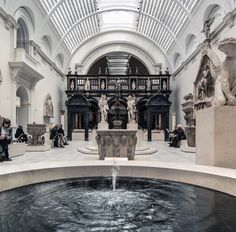 Fountain of Youth Victoria and Albert Museum - Modern Beautiful Architecture, Art And Architecture, Fountain Of Youth, Victoria And Albert Museum, Dog Houses, Beautiful Places, Beautiful Pictures, Taekook, Scenery