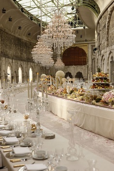 shabby chic wedding This is a crazy long table Long Table Wedding, Chic Wedding, Dream Wedding, Chanel Wedding, Wedding Blog, Paris Wedding, French Wedding, Formal Wedding, Gold Wedding